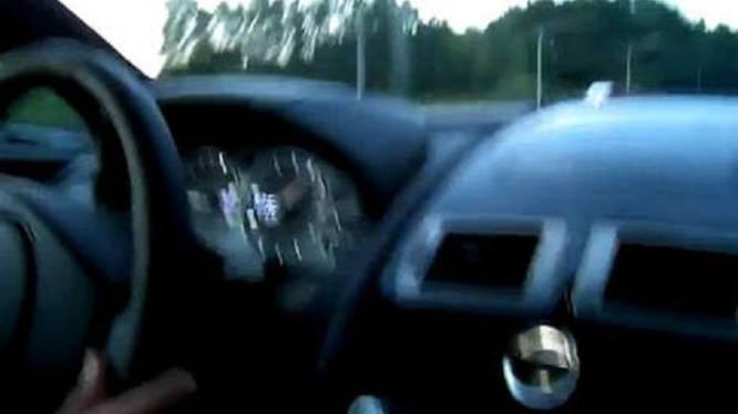 Rijbewijs van autobestuurder die 293 km/uur reed niet onmiddellijk ingetrokken