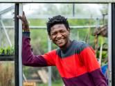 Abdulaal (22) vluchtte uit Soedan en droomt nu van eigen voorstelling: 'Op het podium kan ik mijn emoties kwijt'