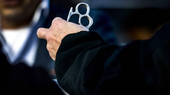 Fikse boete voor verboden wapens bij 'free fight'