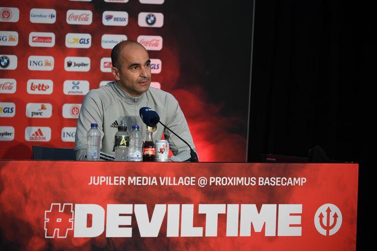 Bondscoach Roberto Martínez tijdens een persconferentie. 'Deviltime' is Belgiës supporterslied voor het EK, dat vrijdag van start gaat.  Beeld Photo News