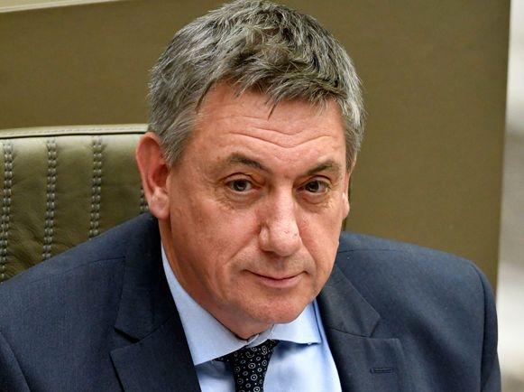 Vlaams minister-president Jan Jambon (N-VA) is het er niet mee eens dat de hele poetshulpsector stilligt.