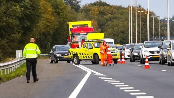 Hoezo afrit afgesloten na ongeluk op de A50 bij Heerde? Deze bestuurder probeert het toch