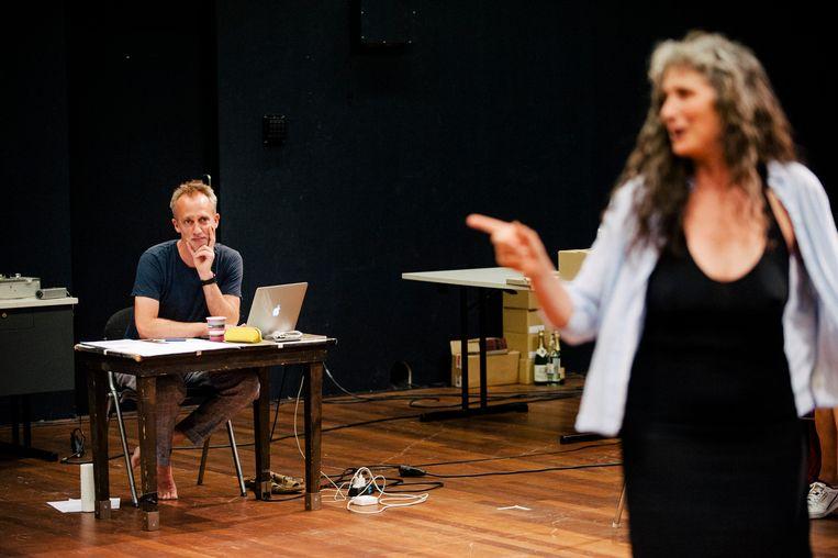 Every Briljant Thing met Tamar van den Dop (rechts). Beeld Koen Veldman