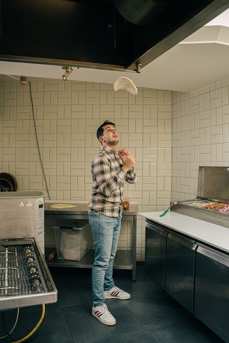 'We gooiden ons businessplan totaal om en vertimmerden het restaurant in een rotvaart tot take-away.' Beeld Wouter Van Vooren