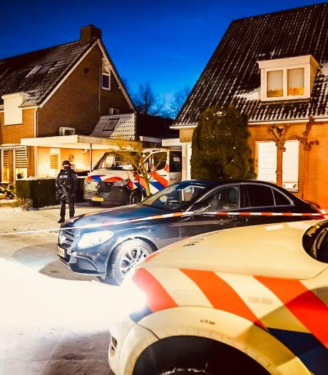 Zwaarbewapende agenten bewaakten 170 kilo cocaïne en veel geld bij woning in Veldhoven