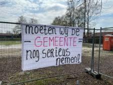 Buurtprotest om troosteloos speelveld in Eibergen: 'Het heeft meer weg van een open riool'