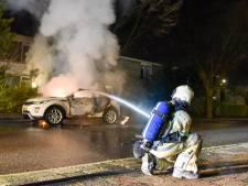 Peperdure Range Rover brandt uit in Utrecht