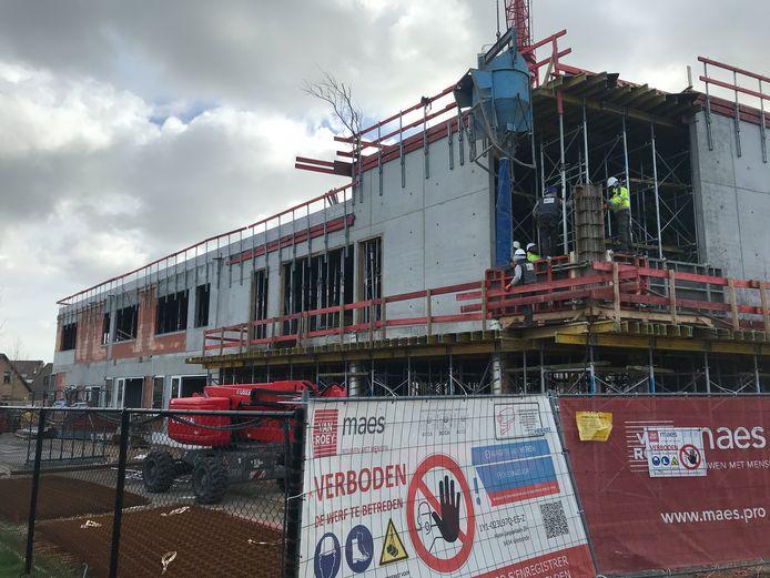 De werf van het nieuwe schoolgebouw Duinpieper Westende
