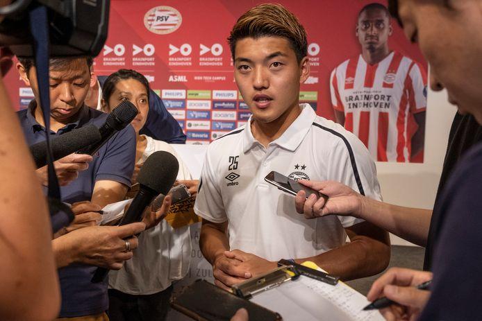 Ritsu Doan bij zijn presentatie in de zomer van 2019. De verwachtingen waren toen hooggespannen, maar hij kon ze in zijn eerste seizoen nog niet inlossen.