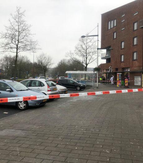 Na zelfmoord zoon smeekt Apeldoornse Monique bij staatssecretaris: 'Help jongeren voor wie het nog niet te laat is!'