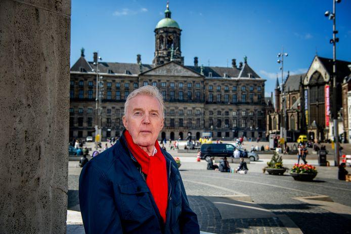 André van Duin op de Dam in Amsterdam .