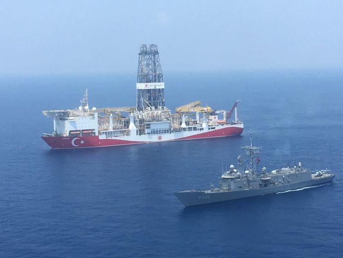 De grenzen van de territoriale wateren en de mogelijke gasreserves onder de zeebodem zijn al jaren het onderwerp van conflicten tussen Griekenland, Cyprus en Turkije.