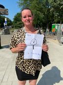 Marieke Bos uit Purmerend met de tekening van haar zoon Sem
