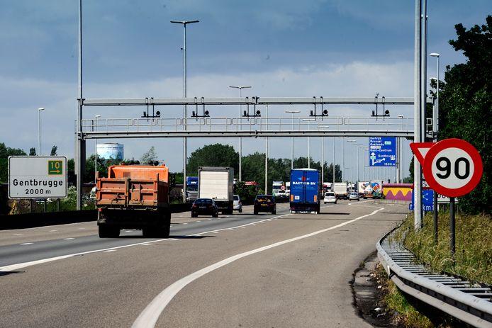 De trucker werd geklist op de snelwegparking in Gentbrugge. (archiefbeeld)
