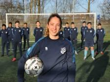 Voetbalsters Tolhoek en De Graaf maken kans op plek in Oranje onder 16