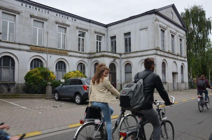 De renovatie van de oude jongensschool in de Leegstraat kan eindelijk van start gaan.