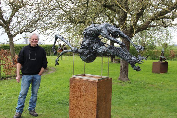 Kunstenaar Dany Tulkens stelt tentoon in de Verduyn Gallery in Moregem.