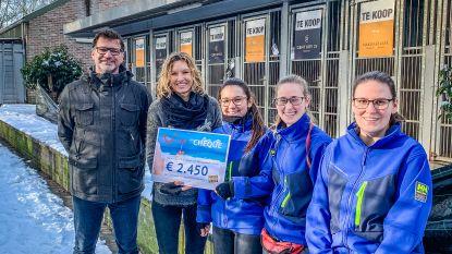 TUI medewerkers zamelen geld in voor Blauwe Kruis