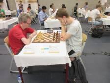 ONK dag 2: schaakkampioen 2015 verrassend onderuit