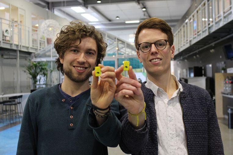 Tim Smits en Jorn Rigter tonen hun Unpluq. Beeld Unpluq