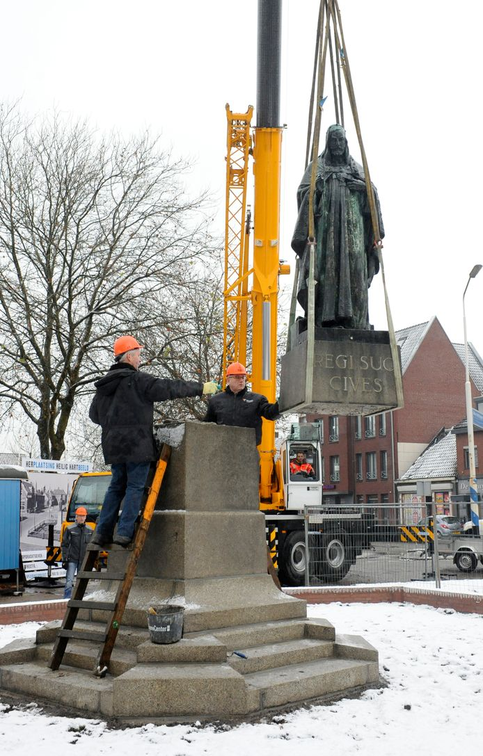 Het Heilig Hartbeeld in Veghel, een van de vele monumenten in Meierijstad.