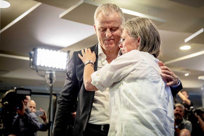 Berthie Verstappen dankt Peter R. de Vries als er in 2018 een doorbraak komt in het onderzoek naar de dood van de 11-jarige Nicky Verstappen.