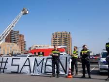 Kippenvelmoment bij JBZ: politie en brandweer rukken uit voor eerbetoon aan zorgmedewerkers