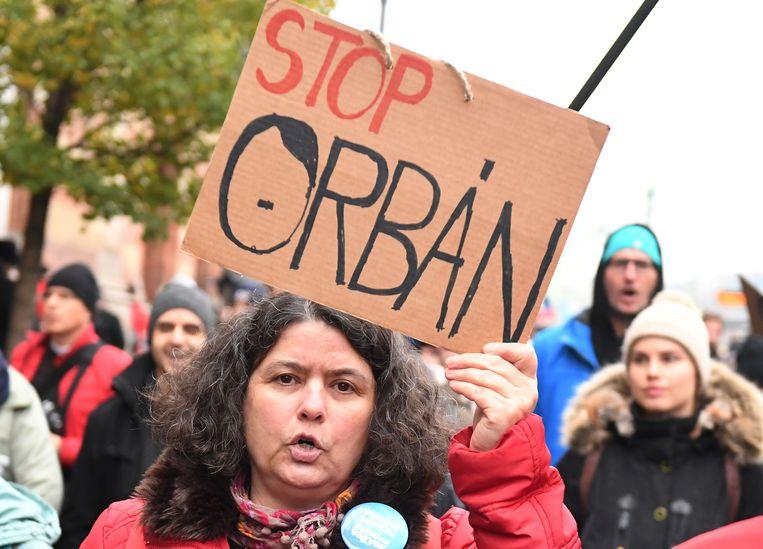Protest tegen Orbán in de Hongaarse hoofdstad Boedapest. Beeld AFP