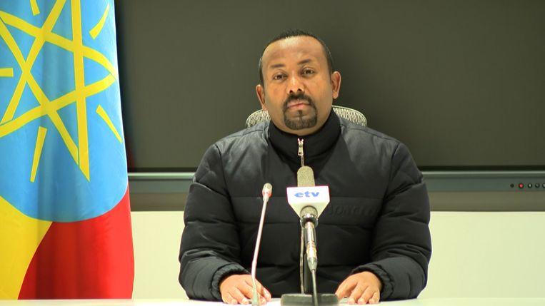 De Ethiopische premier Abiy Ahmed kondigt op de nationale televisie een offensief aan tegen de opstandige regio Tigray.  Beeld AFP