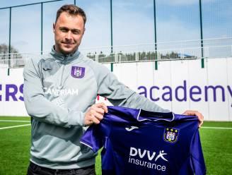 """Ajax-coach Robin Veldman wordt nieuwe trainer van Anderlecht-beloften: """"Wil maximum uit al dat talent halen"""""""