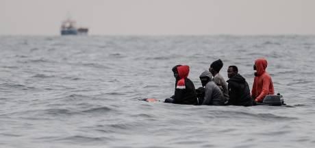 """Un homme, """"probablement"""" migrant, retrouvé mort sur une plage en France"""