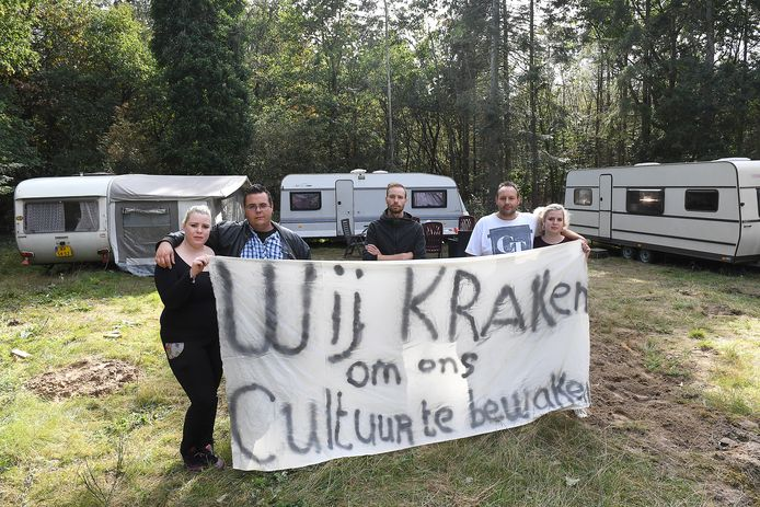 Het eerdere protest op een woonwagenkamp in Mill.