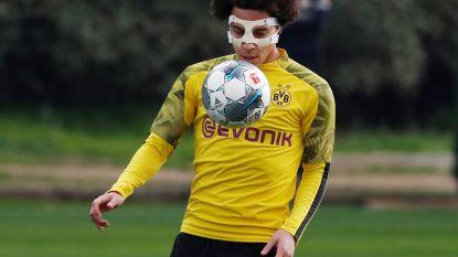 Axel Witsel mét masker opnieuw op trainingsveld na kwalijke val over traphekje