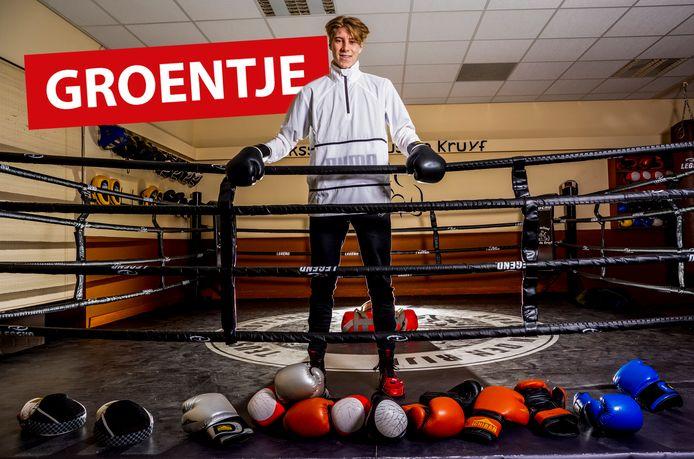Jona van Egmond uit Boskoop in de boksschool.
