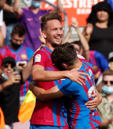 Memphis Depay en Luuk de Jong helpen Barça aan broodnodige zege, droomrentree voor Ansu Fati