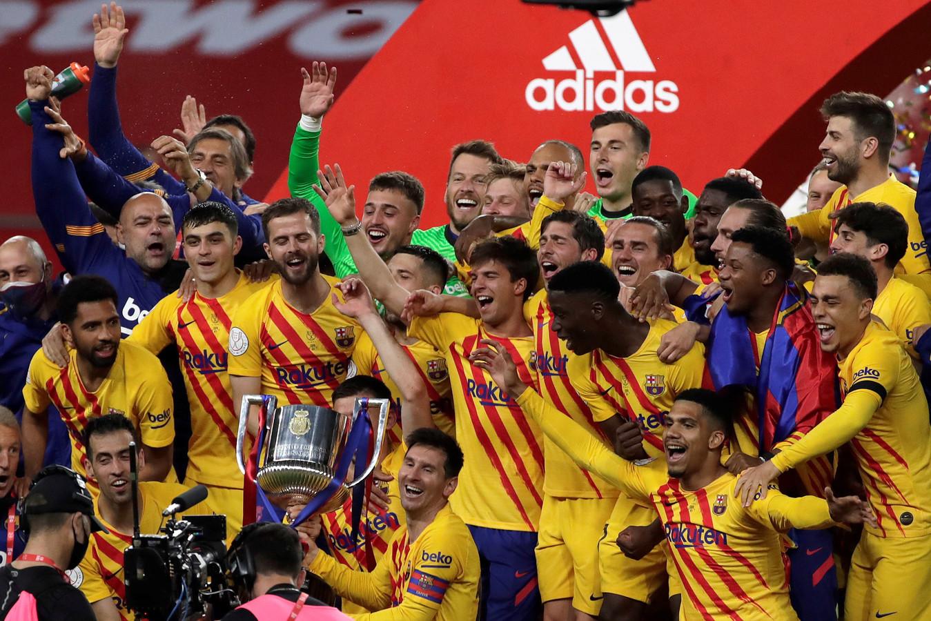 FC Barcelona richt zich na de gewonnen bekerfinale van zaterdag nu weer op de competitie.