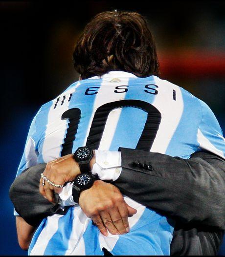 AD-fotograaf Pim Ras trots op 'dierbare' Maradona-foto: 'De oude held tilt de nieuwe op'