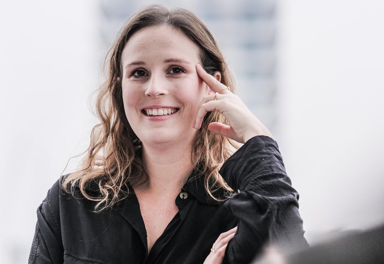 Emma Cottenie:  'Ik laat eigen bloedcellen in mijn hoofdhuid injecteren. Alles beter dan langzaam kaal worden' Beeld Bob Van Mol
