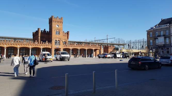 Politie na schooltijd opnieuw ter plaatse aan station, situatie blijft rustig