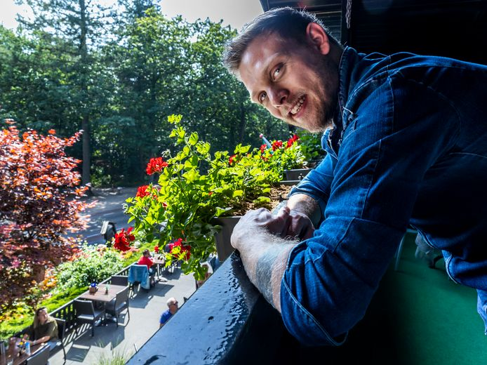 Restaurant Klein Zwitserland beste van de provincie Utrecht en veertiende van Nederland  in de Terrassen top 100. Chef kok Diego Jongerius(31) heeft zijn geluksnummer 14 op zijn arm getatoeeerd.