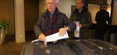 Als eerste stemmen in Tubbergen: het is Anton (82) weer gelukt