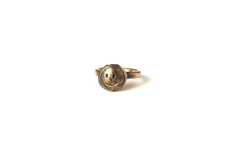 Gouden ring van Alexander Blank. Beeld Alexander Blank
