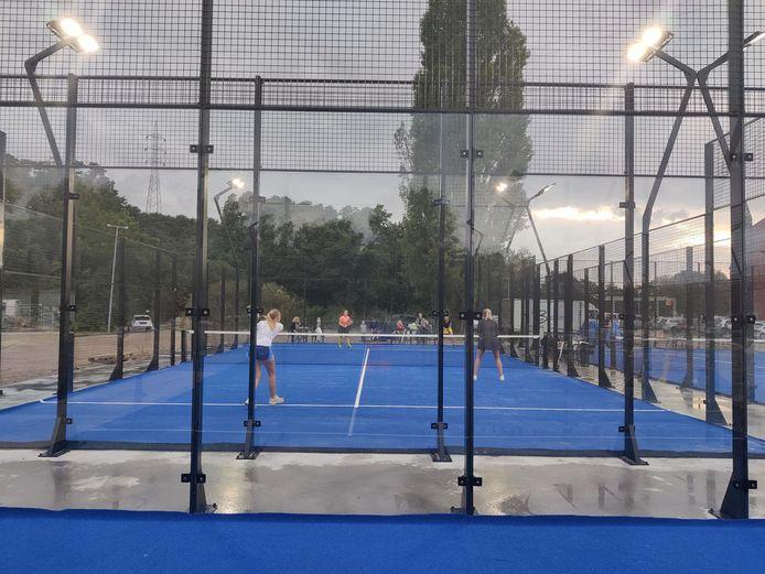 Naast de pas aangelegde 10 padelterreinen is er ook een nieuwe trainingszaal voor Taekwondoschool Keumgang.