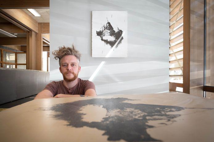 Lieven Hendrickx toont werk van Studio Rots in het Cultuurcentrum