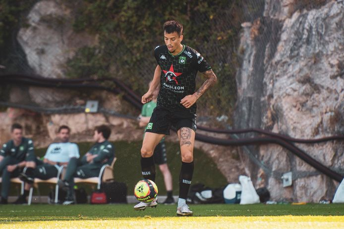 """Boris Popovic, geboren in Frankrijk maar gekozen voor de Servische nationale ploeg, werd door Monaco ontdekt bij Tours FC. """"Ik hoop nu op een jaartje Cercle Brugge om mijn grenzen af te tasten. Hopelijk doe ik het dan even goed als mijn vriend Strahinja Pavlovic."""""""