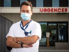 """Philippe Devos, chef en soins intensifs, critique envers la campagne de vaccination: """"Chaque mois perdu est une faute politique"""""""