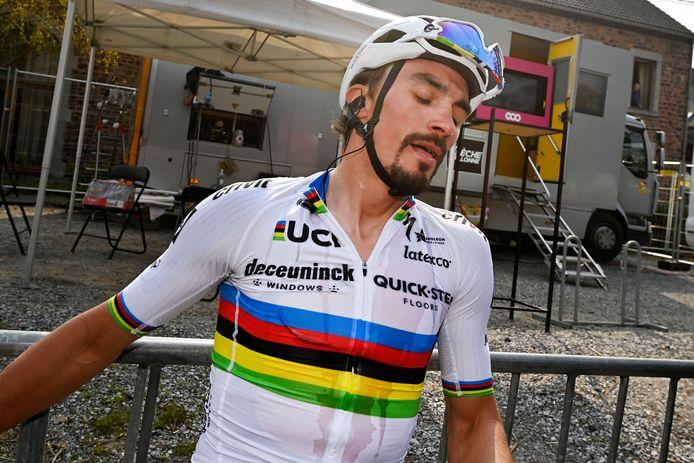 Julian Alaphilippe in de regenboogtrui als huidige wereldkampioen.