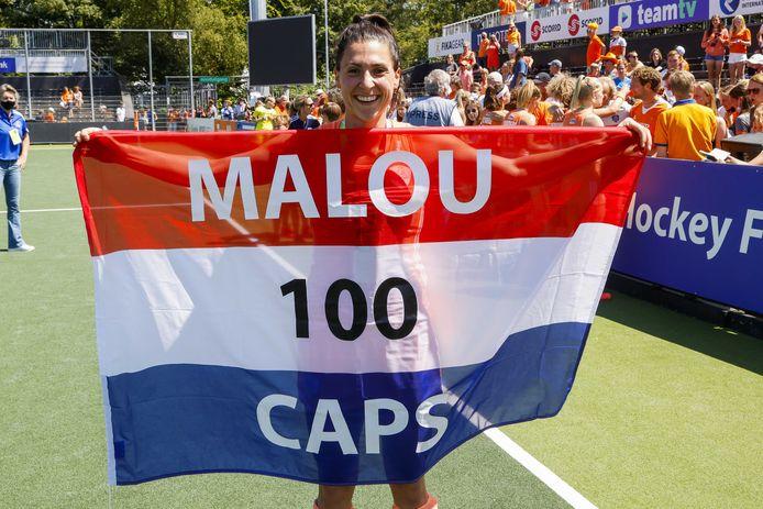 Malou Pheninckx maakte zondag als international in de gewonnen EK-finale de 100 vol. Nummer 101 is voor haar hopelijk de eerste wedstrijd van Nederland op de Olympische Spelen.