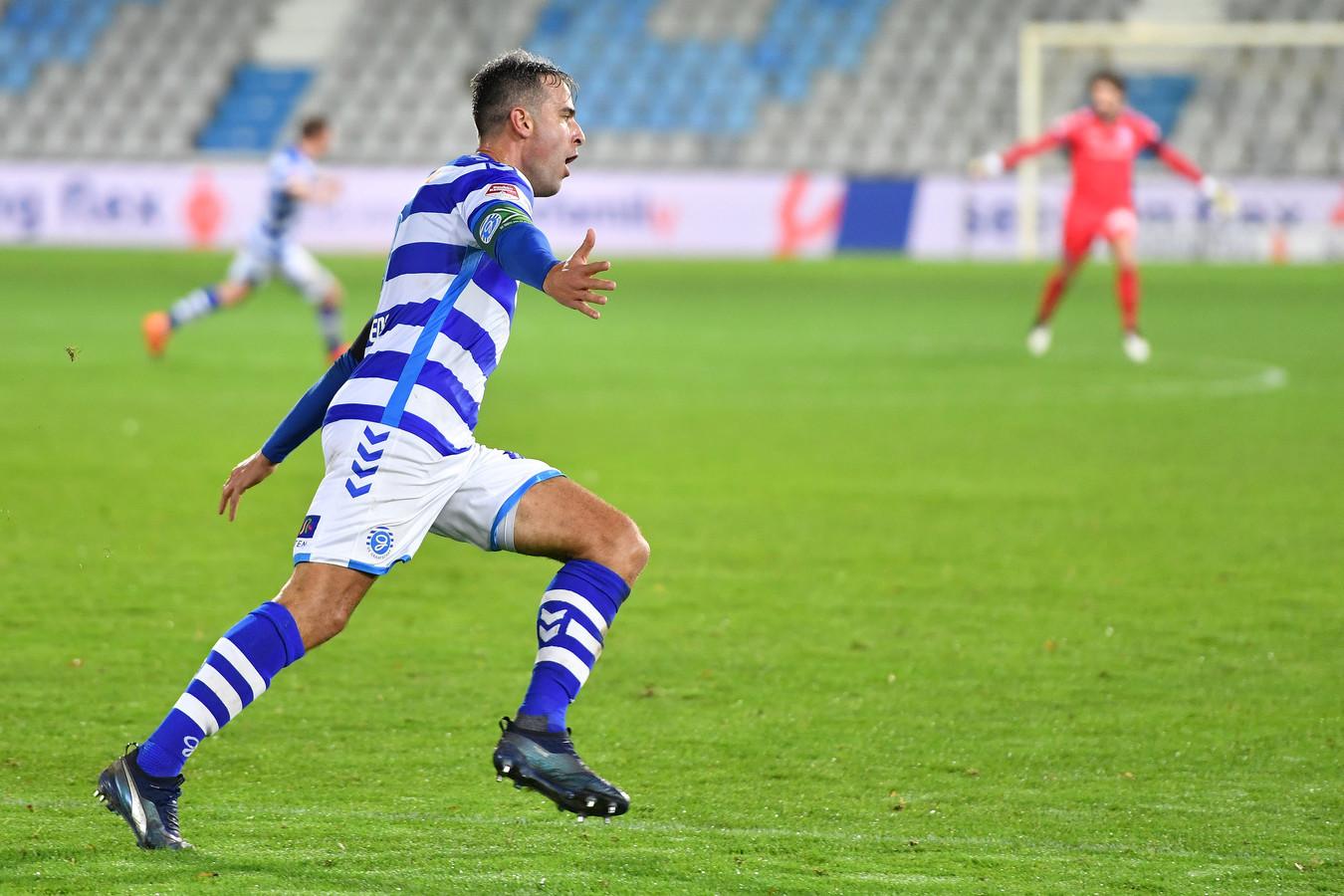 Een juichende Ralf Seuntjens: zijn laatste goal dateert van 15 januari, in het uitduel met Roda JC.