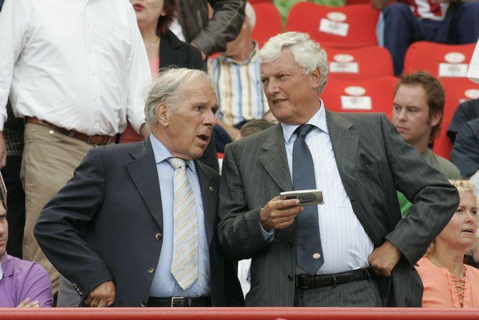 PSV - Vitesse. Harry van Raaij op de tribune met Rob Westerhof.